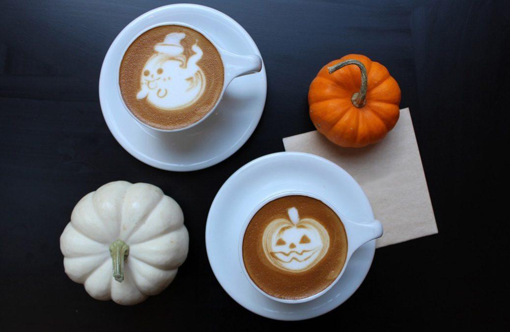 A halloween története és jelképei a latte art mintákban