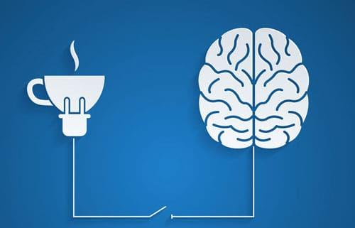 Hogyan hat a kávé az agyra? Valóban függőséget okozhat a koffein?
