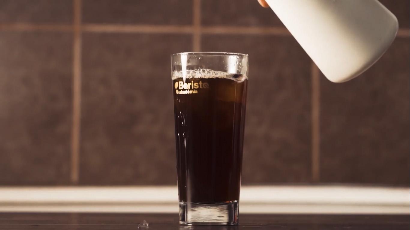 Készíts hidegvízzel kávét egy új kutatás vizsgálja a hideg kávé ízeit